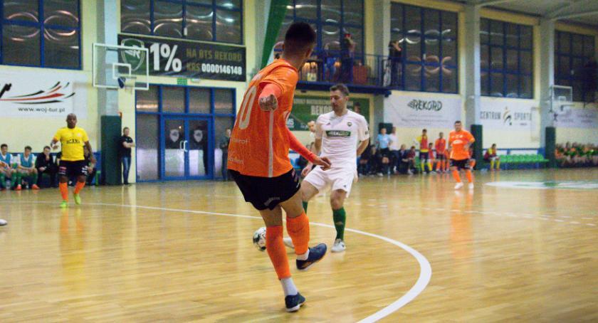 Futsal, Zwycięska tylko jedna połowa Orzeł kończy przygodę pucharem - zdjęcie, fotografia