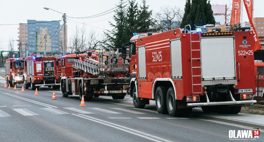 Pożary, Pożar poddasza Oleśnickiej Oławie - zdjęcie, fotografia