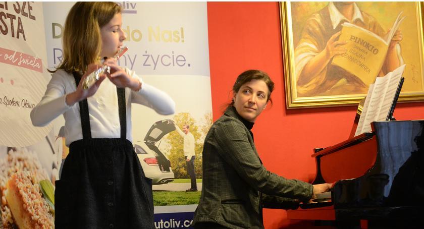 Edukacja, Młodzi muzycy przesłuchiwani - zdjęcie, fotografia