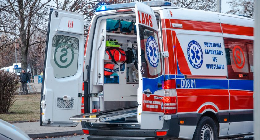 Akcje, Brakowało karetek miejscu pojawiła straż pożarna Kobieta zmarła - zdjęcie, fotografia
