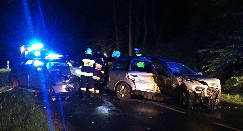 Wypadki drogowe, Stracił panowanie uderzył samochody - zdjęcie, fotografia