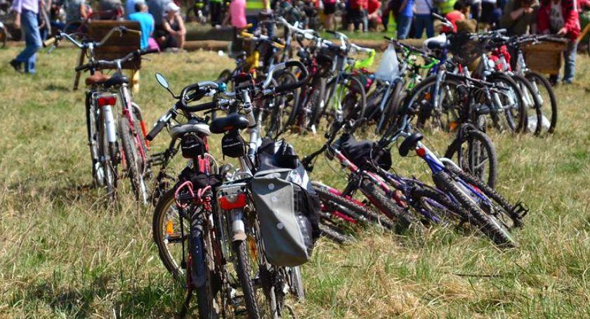 Mieszkańcy, Rowerem przez Oławę - zdjęcie, fotografia