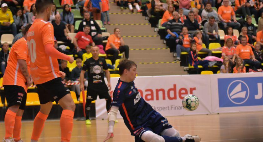 Futsal, Niemożliwe staje możliwe Orzeł wstaje kolan pokonuje wicemistrza - zdjęcie, fotografia