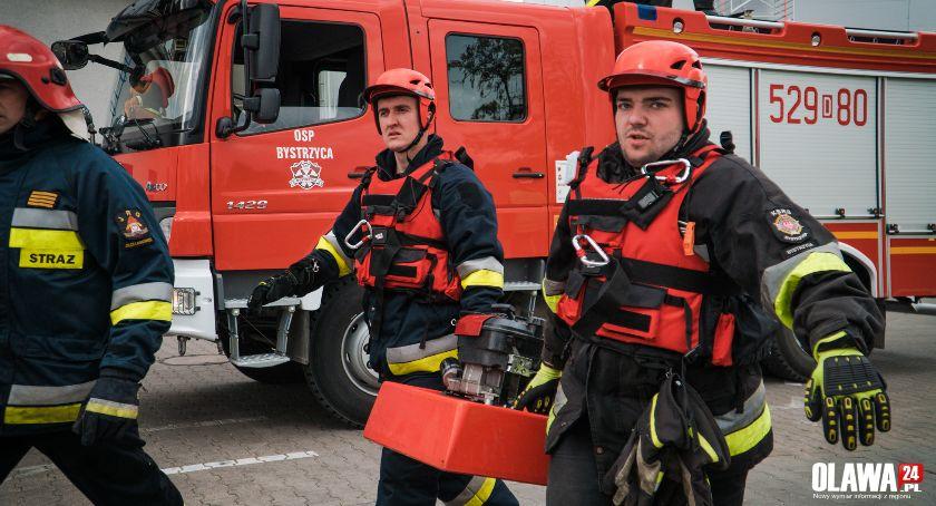 Akcje, Duży pożar Pracownik utknął wysokim silosie [GALERIA] - zdjęcie, fotografia