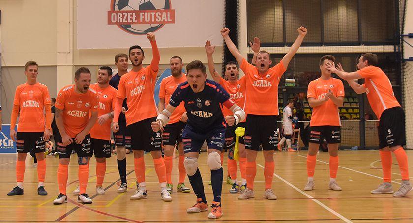 Futsal, Orzeł świętuje ostatnim domowym meczu Pokonał wicemistrza - zdjęcie, fotografia