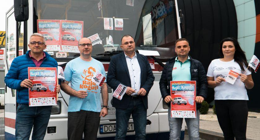 Mieszkańcy, Wesoły autobus jedzie Koguta jeszcze miejsca - zdjęcie, fotografia