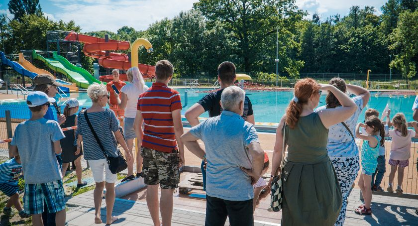 Mieszkańcy, Otwarte nowego basenu mieszkańcy zoabczyli wygląda inwestycja - zdjęcie, fotografia