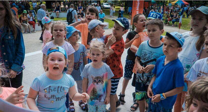 Mieszkańcy, atrakcji zabawy Dzień Dziecka [GALERIA] - zdjęcie, fotografia