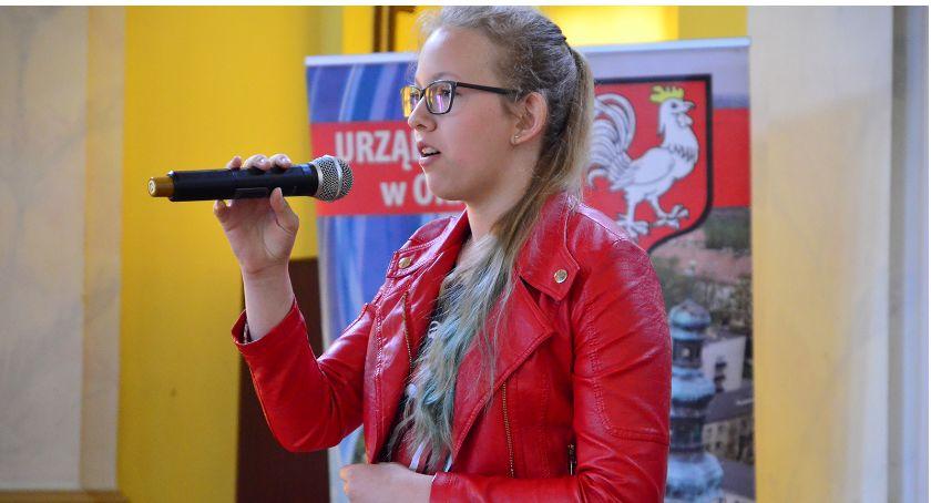Edukacja, Śpiewali piosenki obcym języku - zdjęcie, fotografia