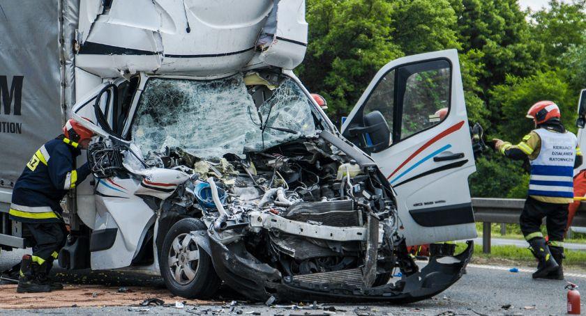 Wypadki drogowe, Poważny wypadek Spore utrudnienia ruchu - zdjęcie, fotografia