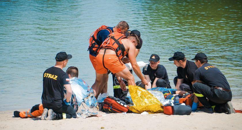 Akcje, Piorun uderzył łódkę Strażacy ćwiczyli akcję ratunkową [GALERIA] - zdjęcie, fotografia