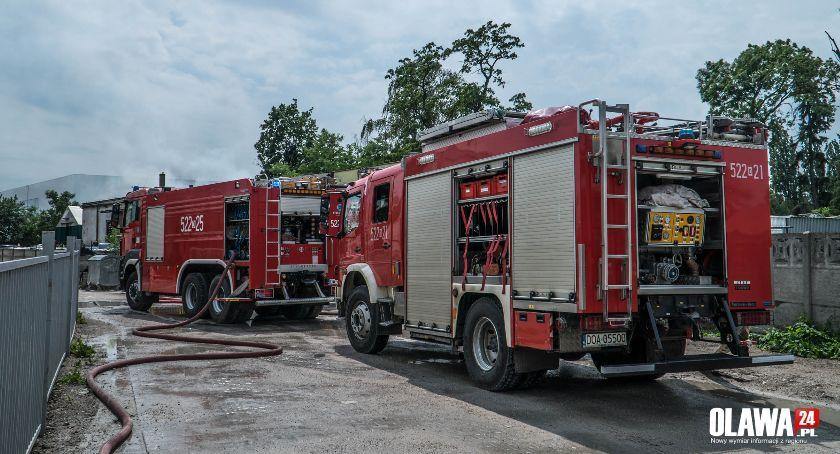 Pożary, Pożar magazynowej Oławie Paliły stare - zdjęcie, fotografia