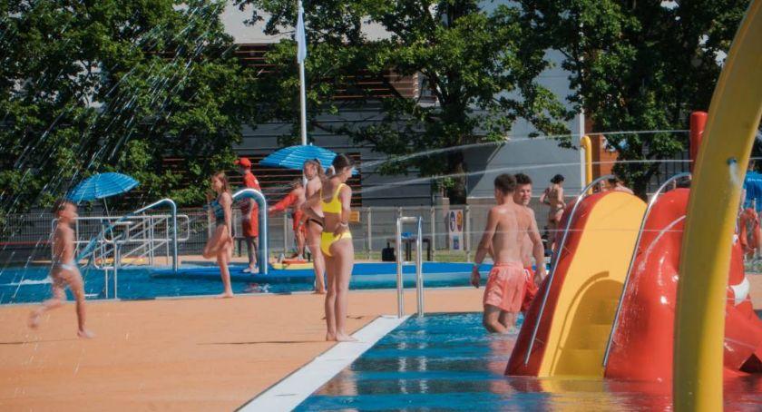 Mieszkańcy, Oficjalne otwarcie basenu dziś! - zdjęcie, fotografia