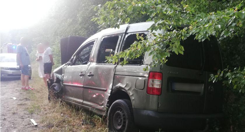 Wypadki drogowe, Zderzenie czterech pojazdów Śmigłowiec wylądować miejscu - zdjęcie, fotografia