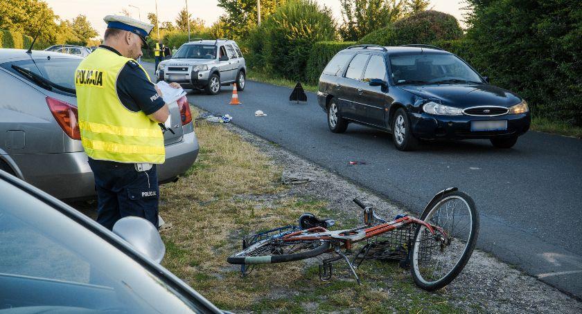 Wypadki drogowe, Potrącenie rowerzysty Poszkodowany ciężkim stanie - zdjęcie, fotografia