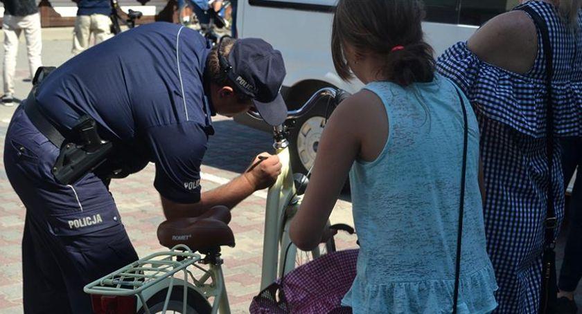 Akcje, wypadkom Policja organizuje festyn - zdjęcie, fotografia