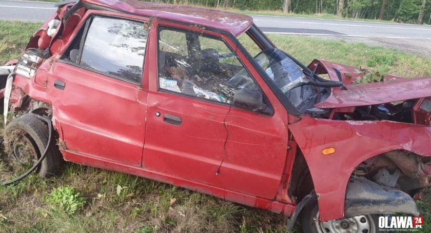 Wypadki drogowe, Nieprawidłowy manewr wyprzedzania doprowadził kolizji - zdjęcie, fotografia