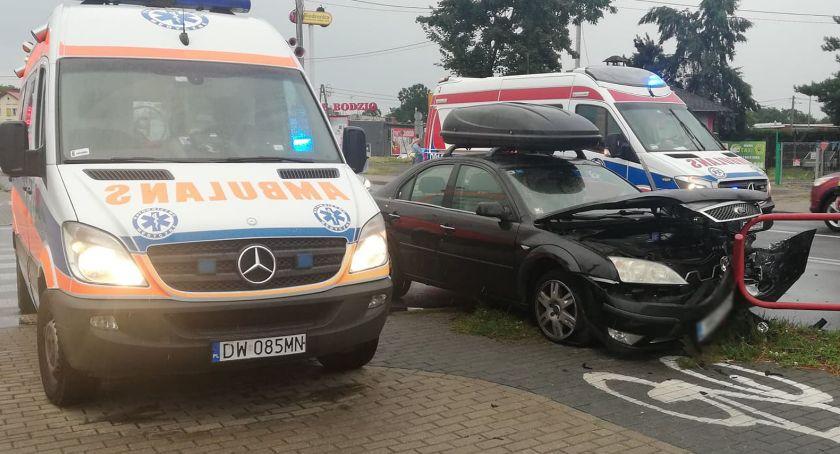 Wypadki drogowe, ustąpiła pierwszeństwa - zdjęcie, fotografia