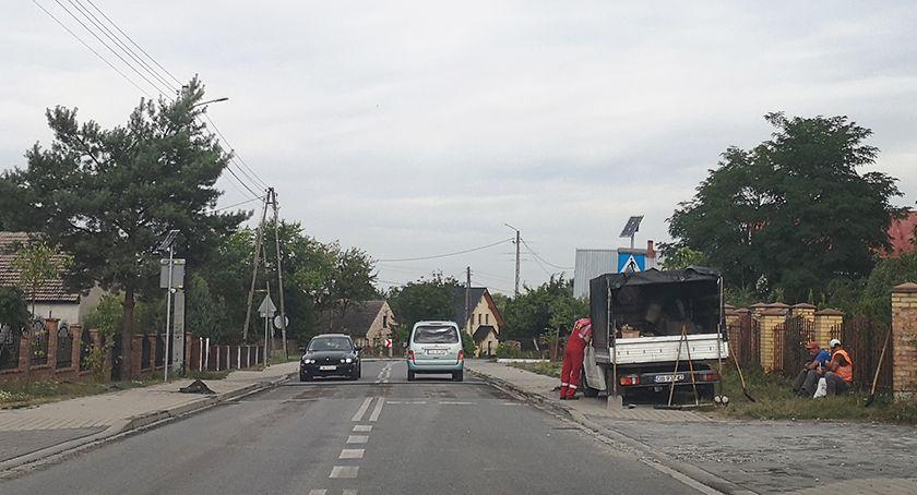 Mieszkańcy, Janikowie zlikwidowano próg zwalniający - zdjęcie, fotografia