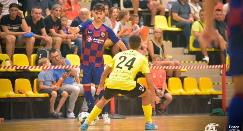Futsal, Dwóch zranionych żaden zabity Orzeł remisuje inaugurację sezonu - zdjęcie, fotografia