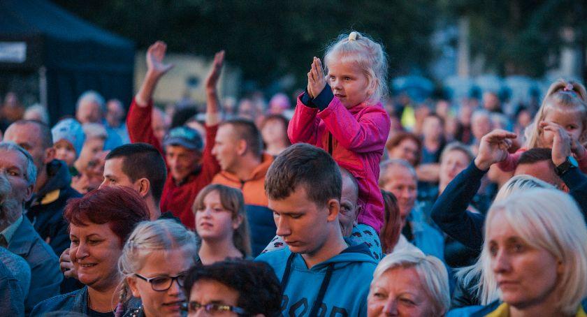 Koncerty, Sobotni wieczór rytmach Disco - zdjęcie, fotografia