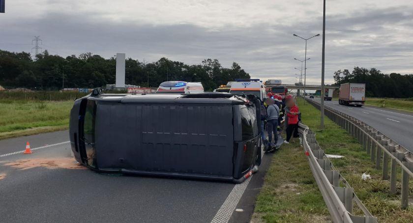 Wypadki drogowe, Niebezpiecznie autostradzie - zdjęcie, fotografia