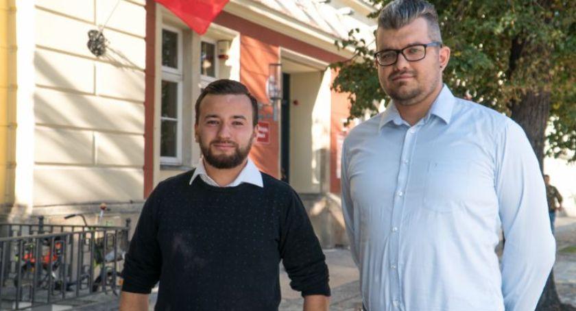 Mieszkańcy, Kandydat Sejmu spotkać mieszkańcami - zdjęcie, fotografia