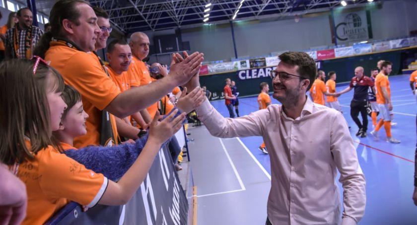 Futsal, Punkt zdobyty rzutem taśmę - zdjęcie, fotografia
