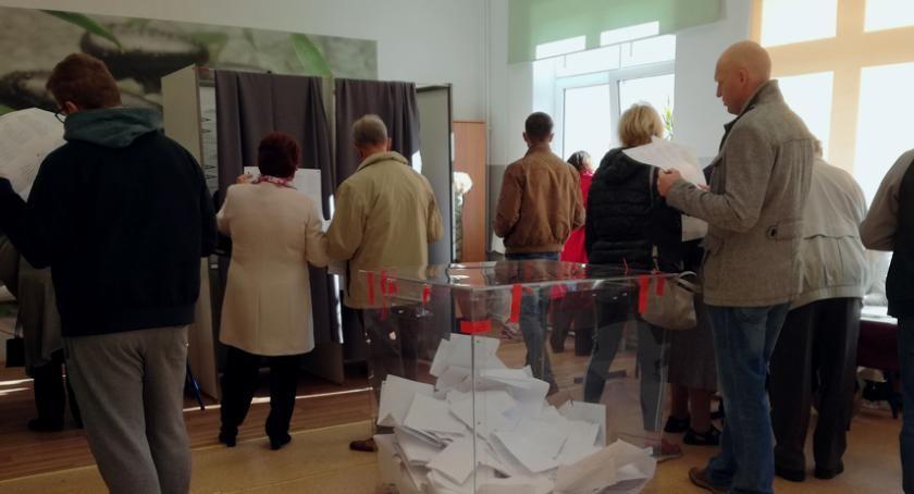 Mieszkańcy, głosowali mieszkańcy powiatu Zdzisław Brezdeń posłem - zdjęcie, fotografia