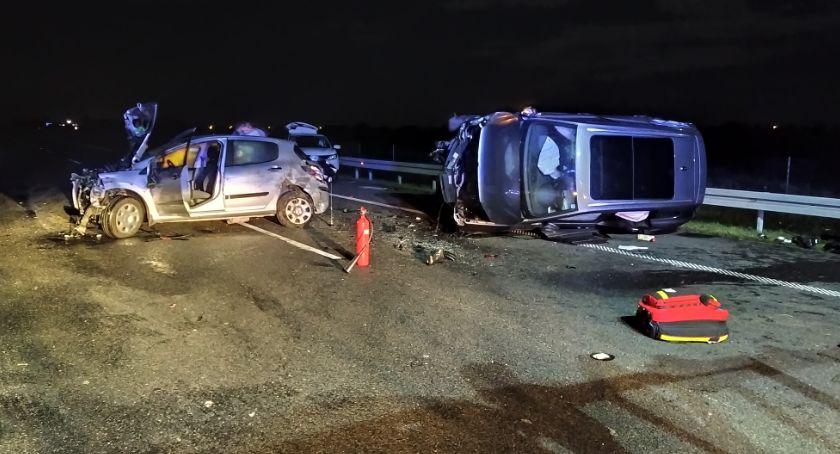 Wypadki drogowe, Poważny wypadek Stado dzików wbiegło autostradę - zdjęcie, fotografia