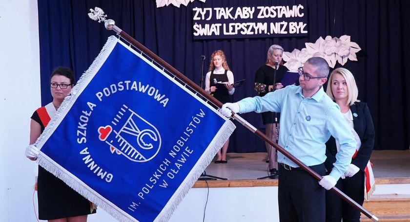 Edukacja, Gminna Szkoła sztandar! - zdjęcie, fotografia