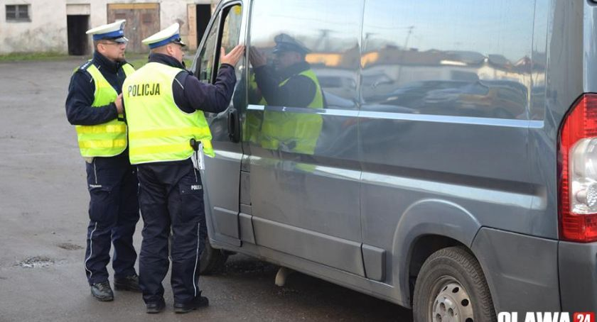 Akcje, Dzisiaj policja kontroluje prędkość - zdjęcie, fotografia