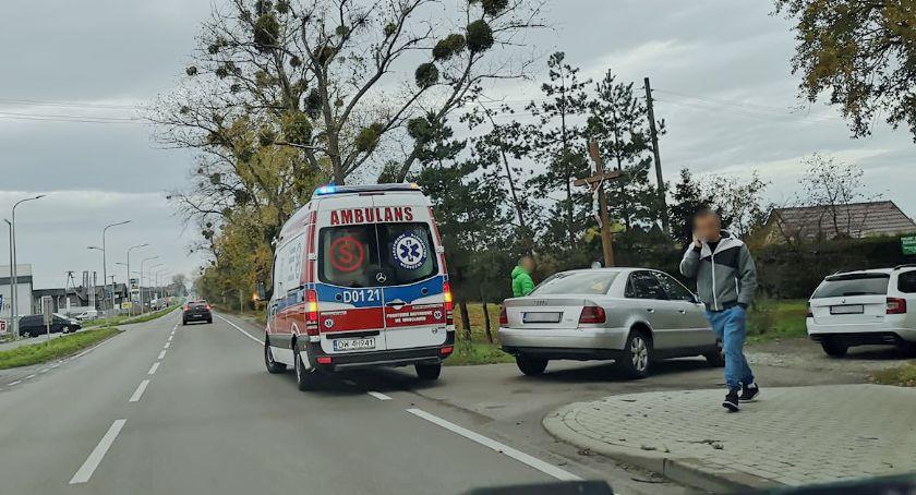 Wypadki drogowe, Kolizja niewielkie utrudniania Wiejskiej - zdjęcie, fotografia