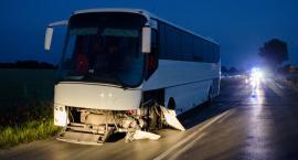 Czołowe zderzenie z autobusem. Kierowca pijany