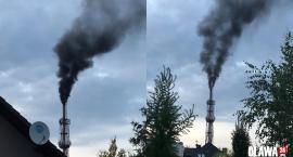 Czym pali ciepłownia!? Czarny dym nad domami