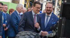 Premier Morawiecki z wizytą w zakładach JELCZ