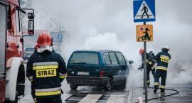 Pożar auta na ulicy Broniewskiego