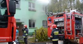 Pożar na Dąbrowskiego. Ewakuowano mieszkańców