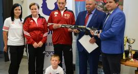 Najnowszy karabin dla mistrza Polski Łukasza Szczepuły