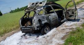 Pożar auta. Kierowca z poparzeniami w szpitalu