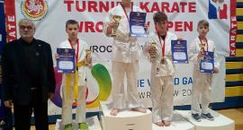 Złoto i brąz w karate