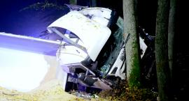 Groźny wypadek pod Janikowem! Samochód osobowy zderzył się z ciężarówką [VIDEO]