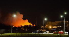 Groźny pożar na wysypisku w Gaci [VIDEO]