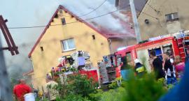Piorun uderzył w dom. Wybuchł pożar [VIDEO]