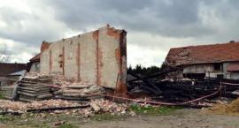 Bystrzyca: Stodoła w gruzach, kolejne zabudowania uszkodzone
