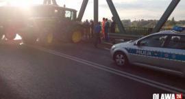 Wypadek na moście nad Odrą. Traktor uszkodził dwa przęsła