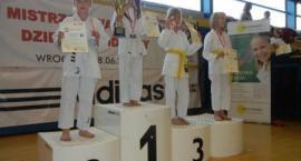 Młodzi karatecy z Miłoszyc
