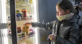 Pierwsza w Oławie społeczna lodówka już działa!
