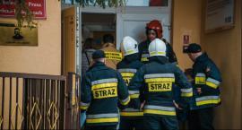 Gaz pieprzowy w szkole. Strażacy ewakuowali uczniów