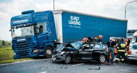 Poważny wypadek na Opolskiej, droga zablokowana